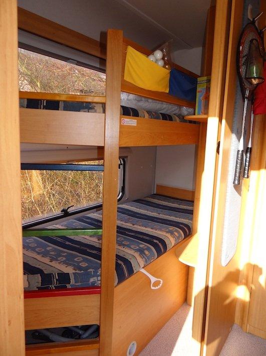 Knaus Caravan Met Stapelbed.Knaus 550 Tkm Caravans Caravanhuren Nu